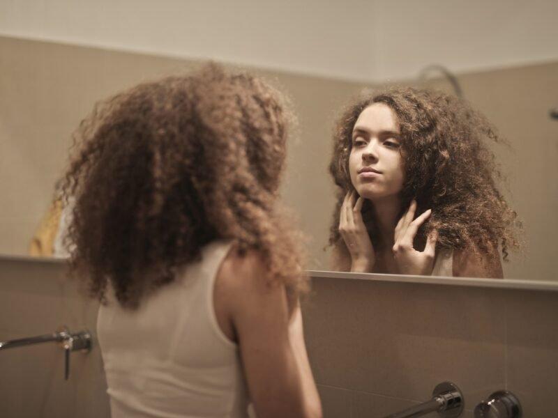 Qual é a importância do autoconhecimento para minha vida?