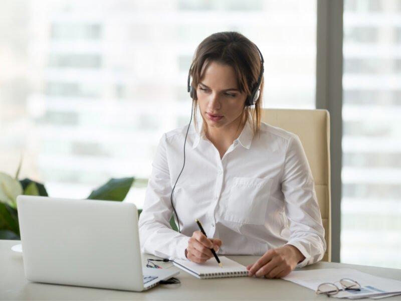 Conheça os melhores cursos de capacitação para investir e crescer profissionalmente!